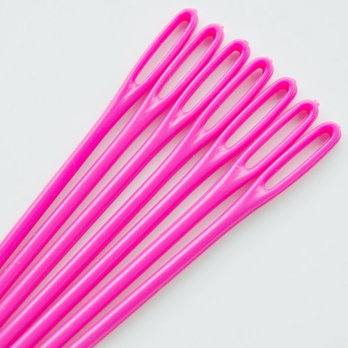 Plastic-Needles---Bright-Pink